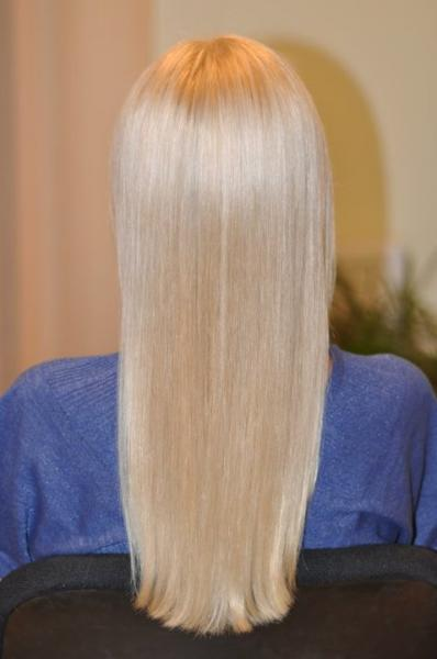 """""""Blond"""" spalva su lengvu pilku atspalviu"""
