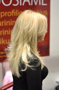 """""""Blond"""" spalva su violetiniu atspalviu"""