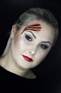 Makiažas Halloween'ui su žaizda