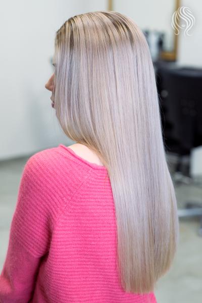 Plaukų šviesinimas ir perlo spalvos tonavimas