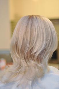 Perlamutrinė plaukų spalva