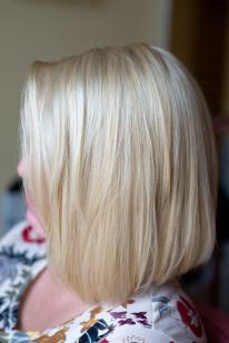 Plauku balinimas su Olaplex ir tonavimas smėlio spalva