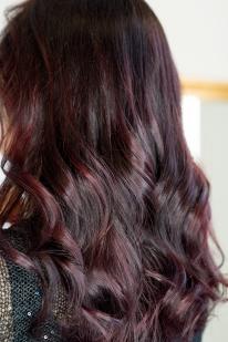 Dažymas raudonai violetiniu atspalviu
